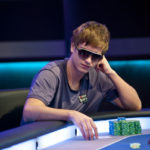Как психологические аспекты влияют на игру в покер?